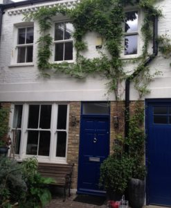 Central Archives - London Bed + Breakfast